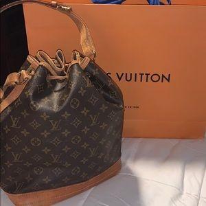 Louis Vuitton Noe Bucket Bag - Authentic